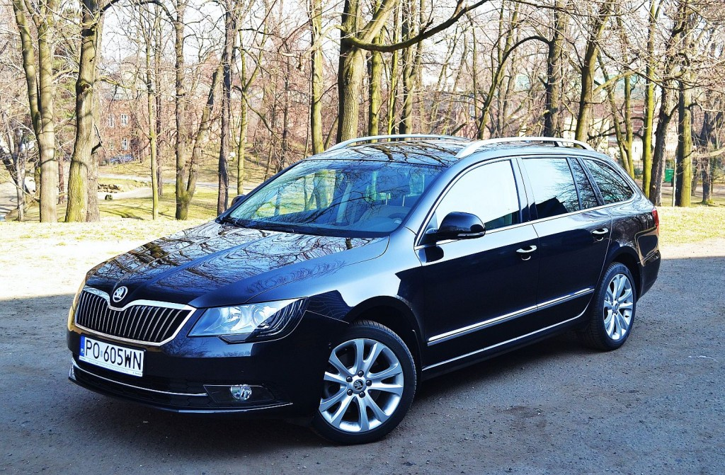 skoda superb combi 1 8 tsi elegance w dw ch rolach. Black Bedroom Furniture Sets. Home Design Ideas