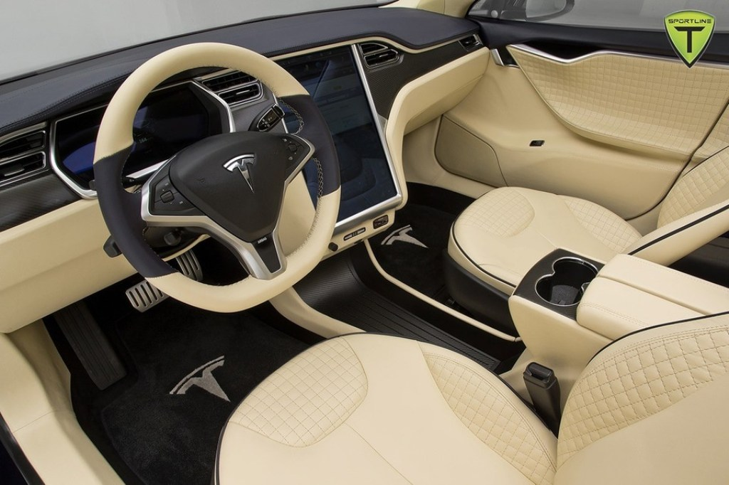 Tesla model s t sportline namasce for Interieur tesla model s