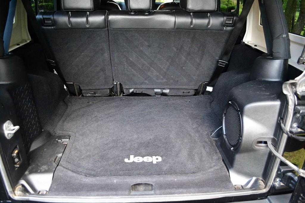 jeep_wrangler_unlimited_3.6_v6_sahara_4