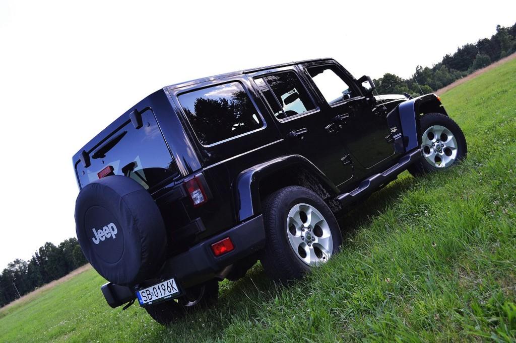 jeep_wrangler_unlimited_3.6_v6_sahara_6