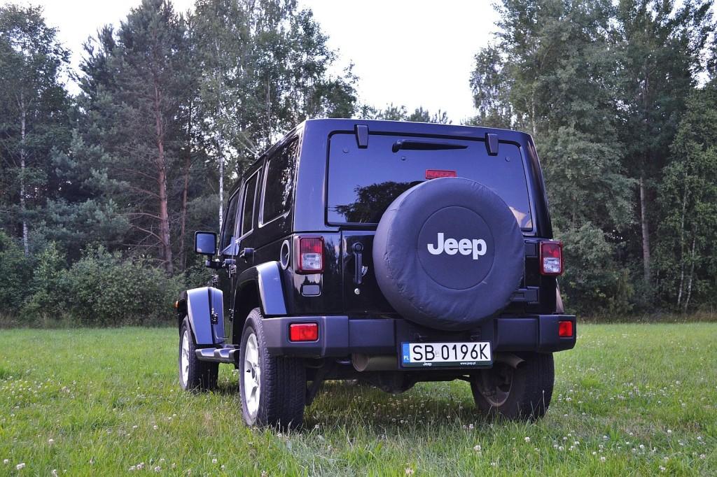 jeep_wrangler_unlimited_3.6_v6_sahara_8