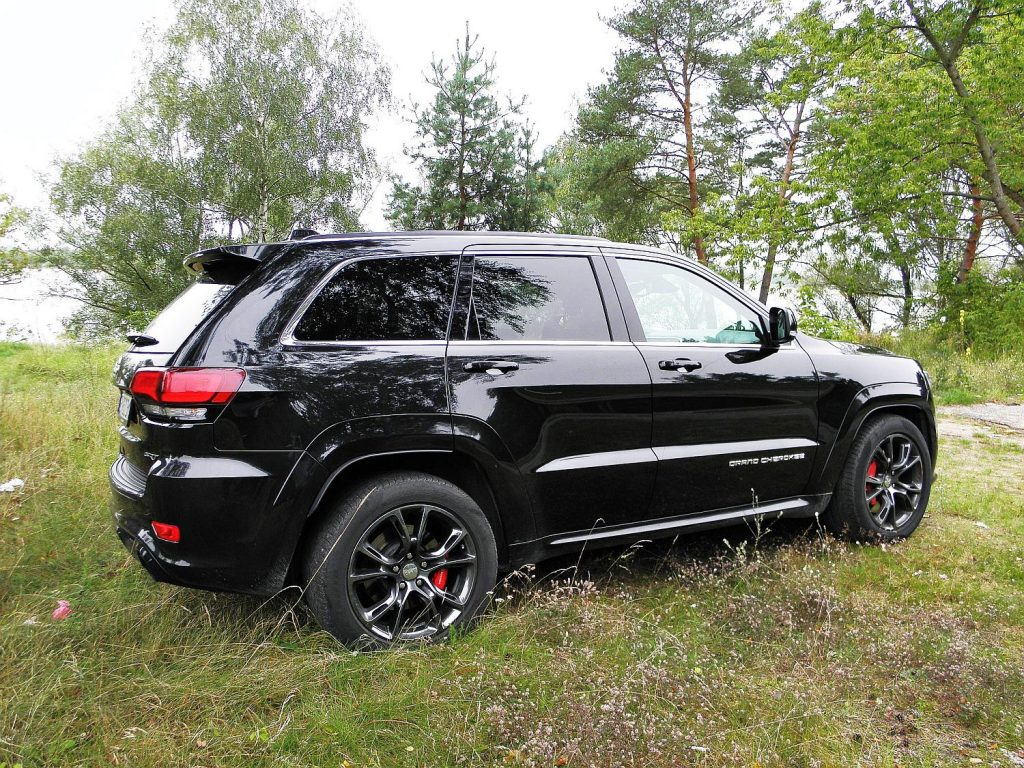jeep_grand_cherokee_srt8_6.4_v8_hemi_9