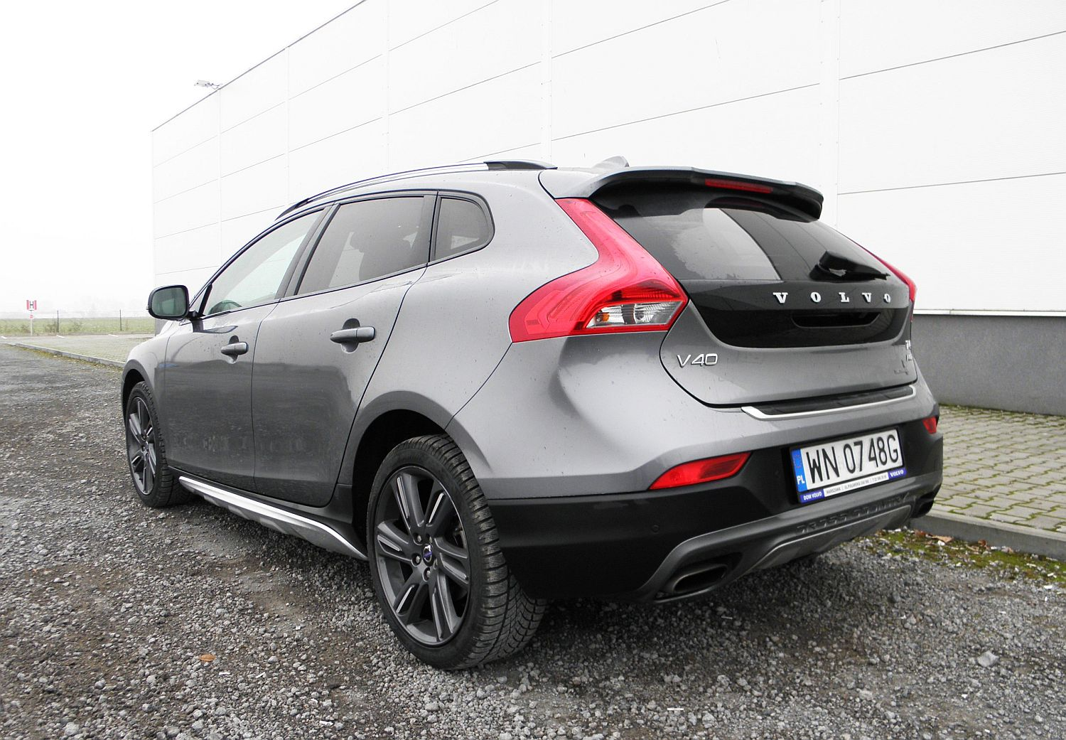volvo v40 cross country t4 awd summum jako za nie. Black Bedroom Furniture Sets. Home Design Ideas
