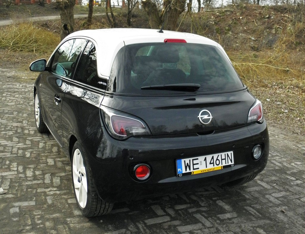 opel_adam_1.4_glam_black_2