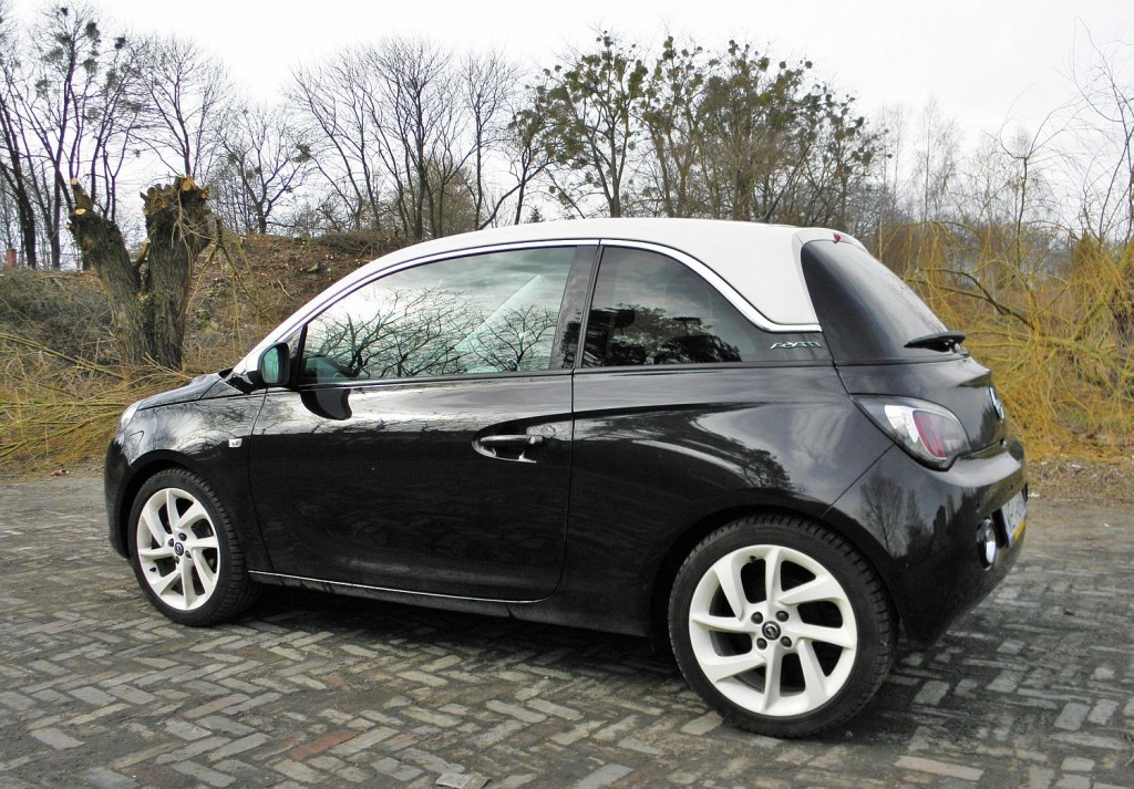 opel_adam_1.4_glam_black_6