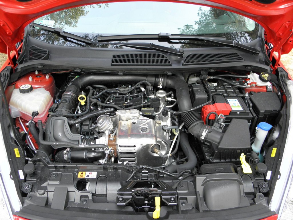 ford_fiesta_1.0_ecoboost_red_edition_7