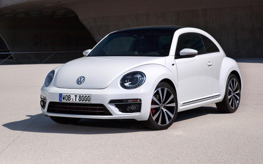 volkswagen_beetle_sport_2015_1