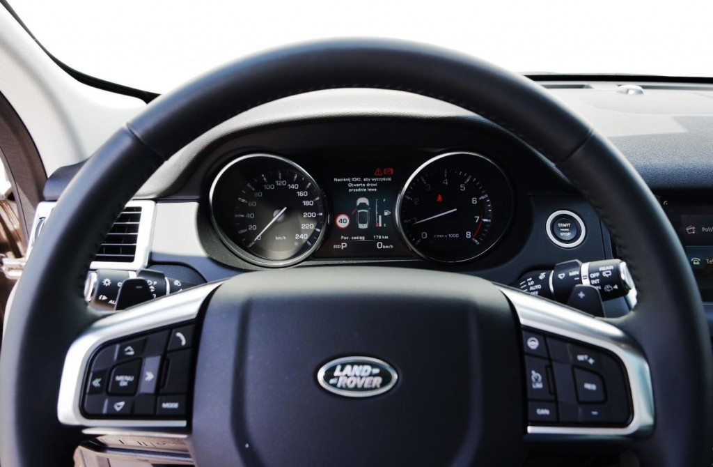 land_rover_discovery_sport_si4_hse_luxury_14