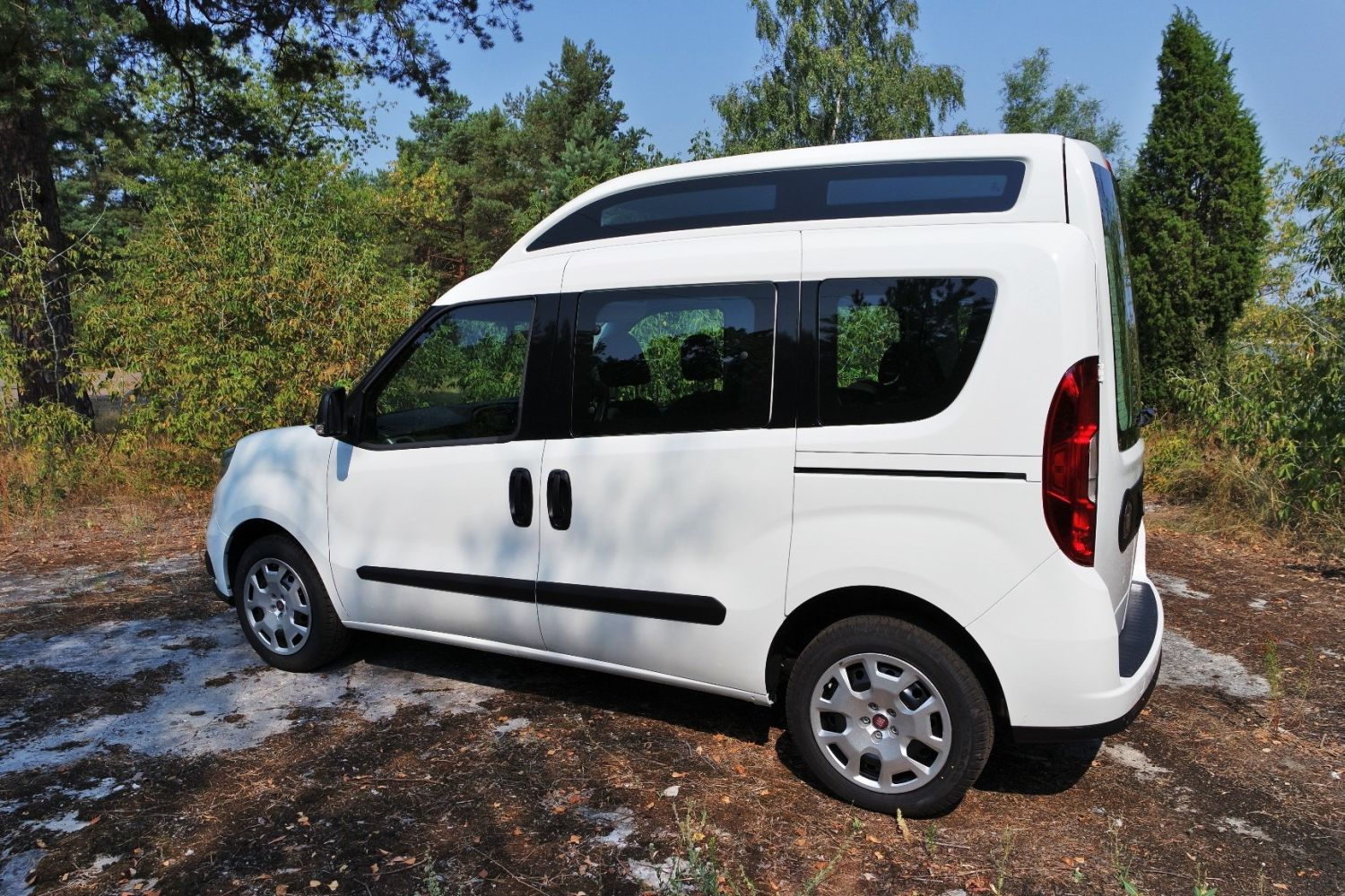 fiat doblo 1 4 16v easy papamobile namasce. Black Bedroom Furniture Sets. Home Design Ideas