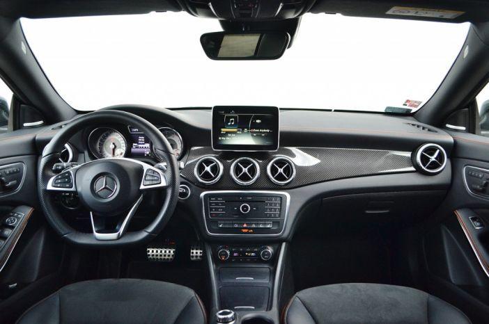 Mercedes-Benz CLA 200 7G-DCT Shooting Brake