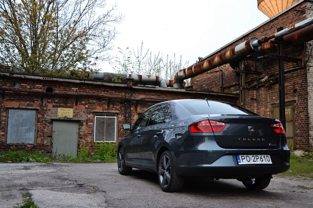 SEAT Toledo 1.4 TSI DSG FR