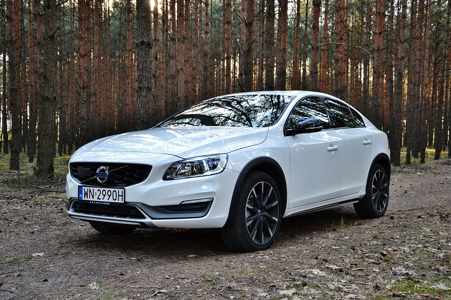 volvo s60 cross country d4 geartronic summum uterenowiony sedan namasce. Black Bedroom Furniture Sets. Home Design Ideas