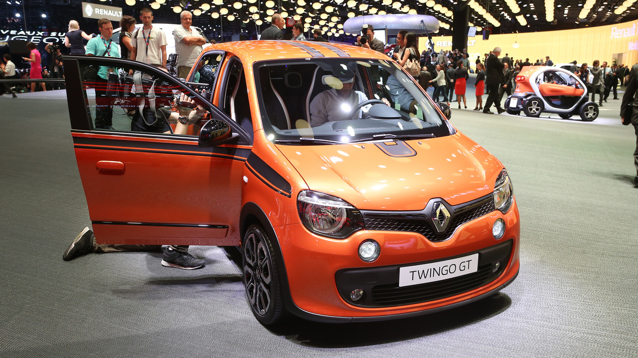 pary 2016 renault twingo gt namasce. Black Bedroom Furniture Sets. Home Design Ideas