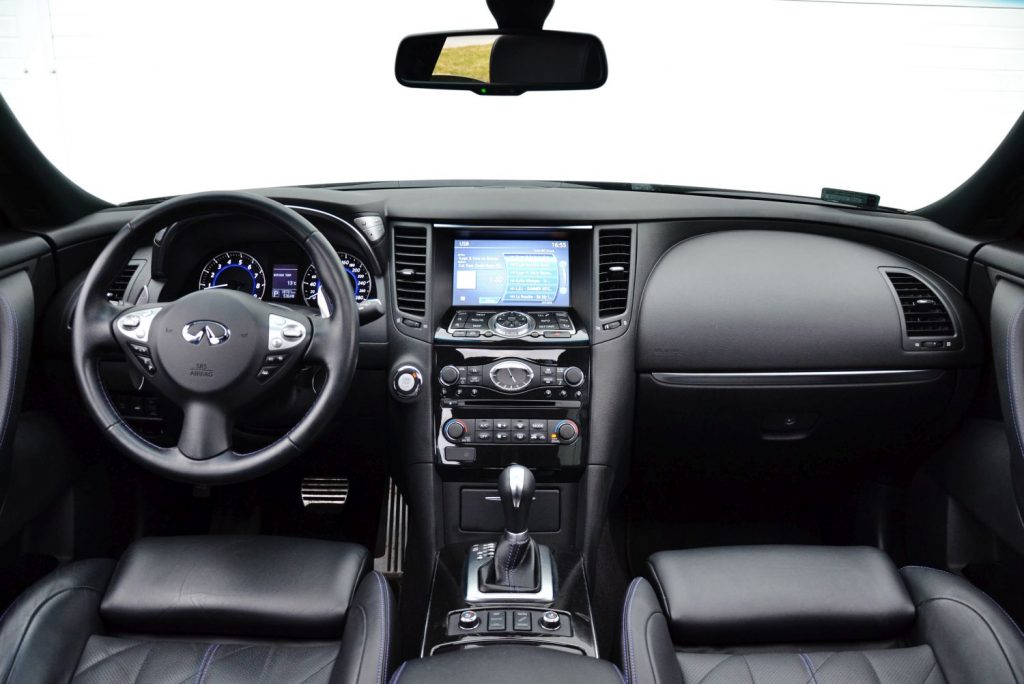 Infiniti QX70 3.7 V6 AWD S Design