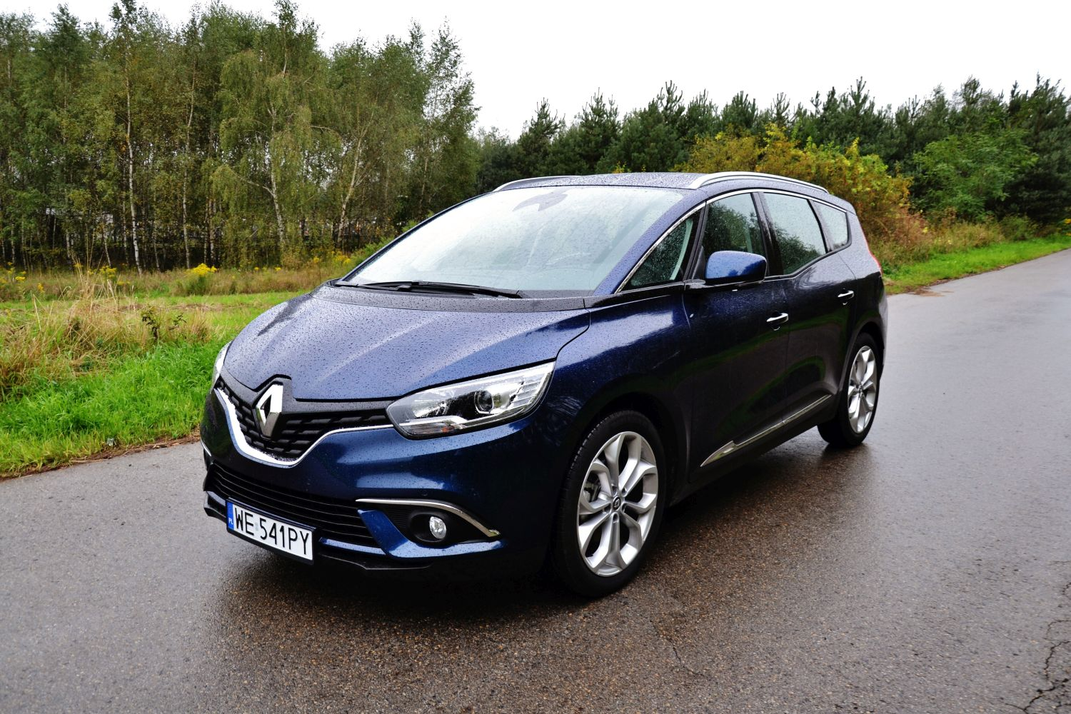 renault grand scenic dci 110 hybrid assist lekka. Black Bedroom Furniture Sets. Home Design Ideas