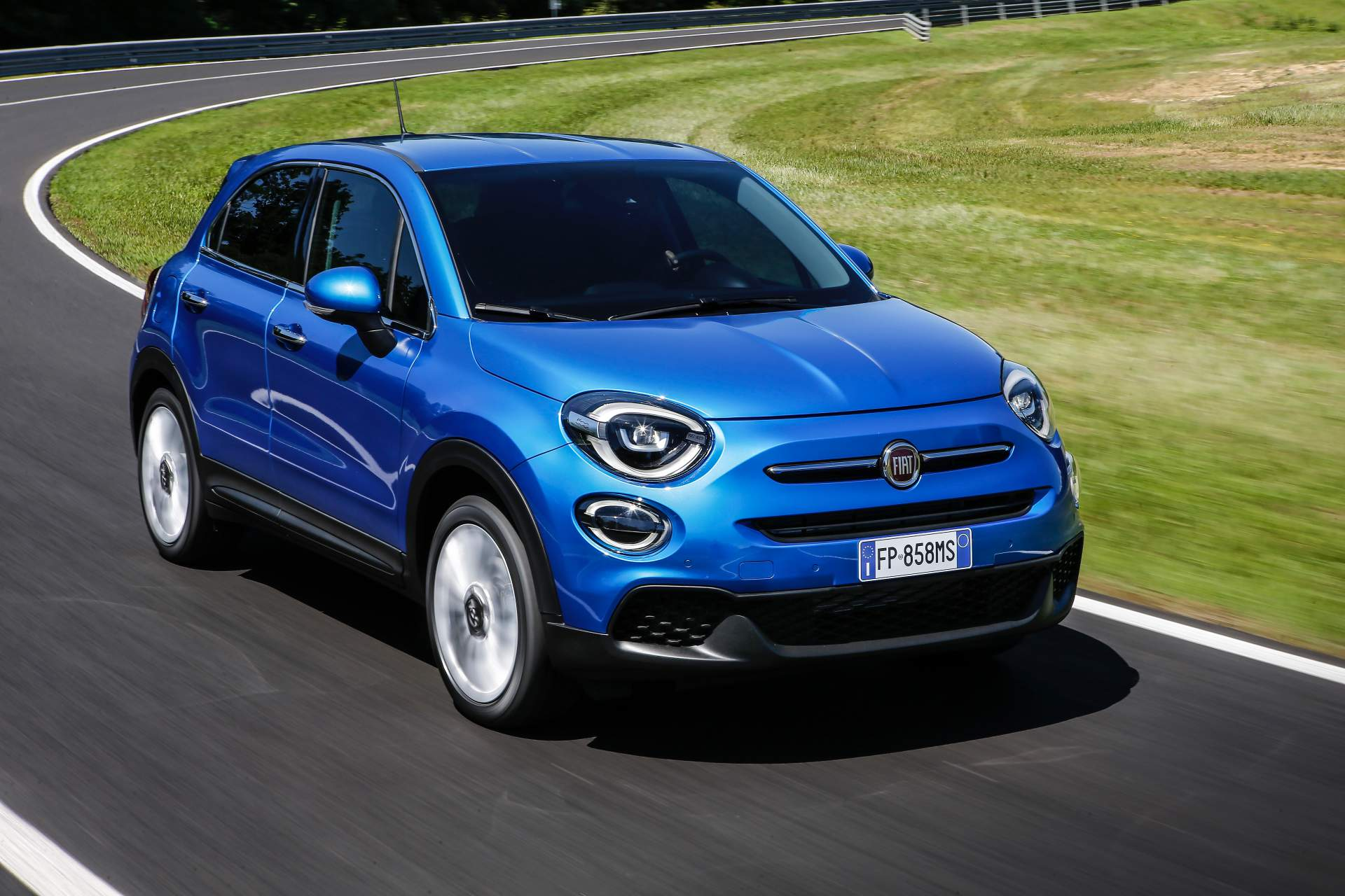 fiat 500x lifting namasce. Black Bedroom Furniture Sets. Home Design Ideas