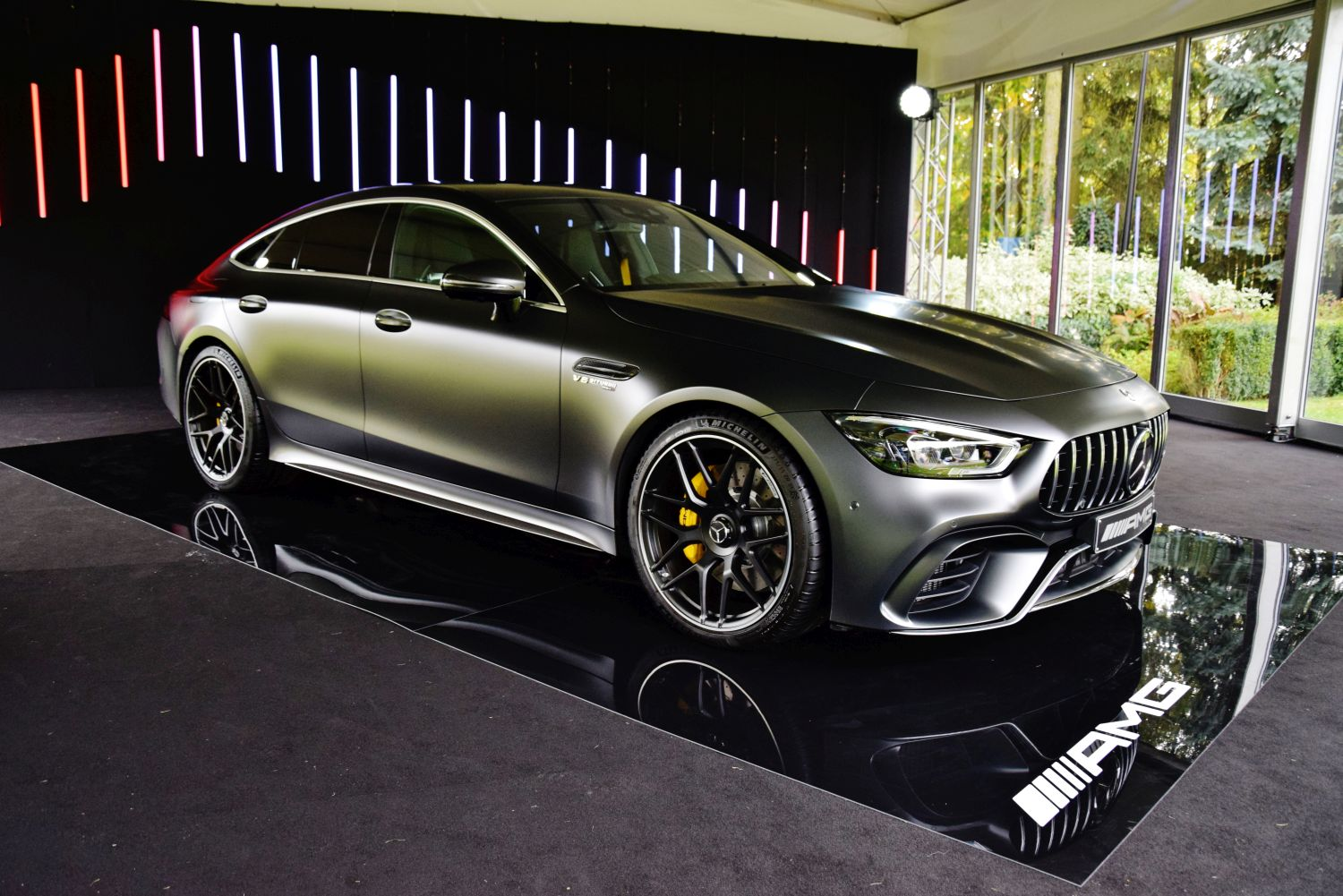 mercedes amg gt 4 door coupe i c 63 s coupe pra premiery w polsce namasce. Black Bedroom Furniture Sets. Home Design Ideas