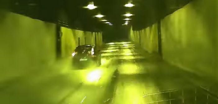 Szybka jazda iśliska nawierzchnia – poślizg izderzenie wtunelu (Video)