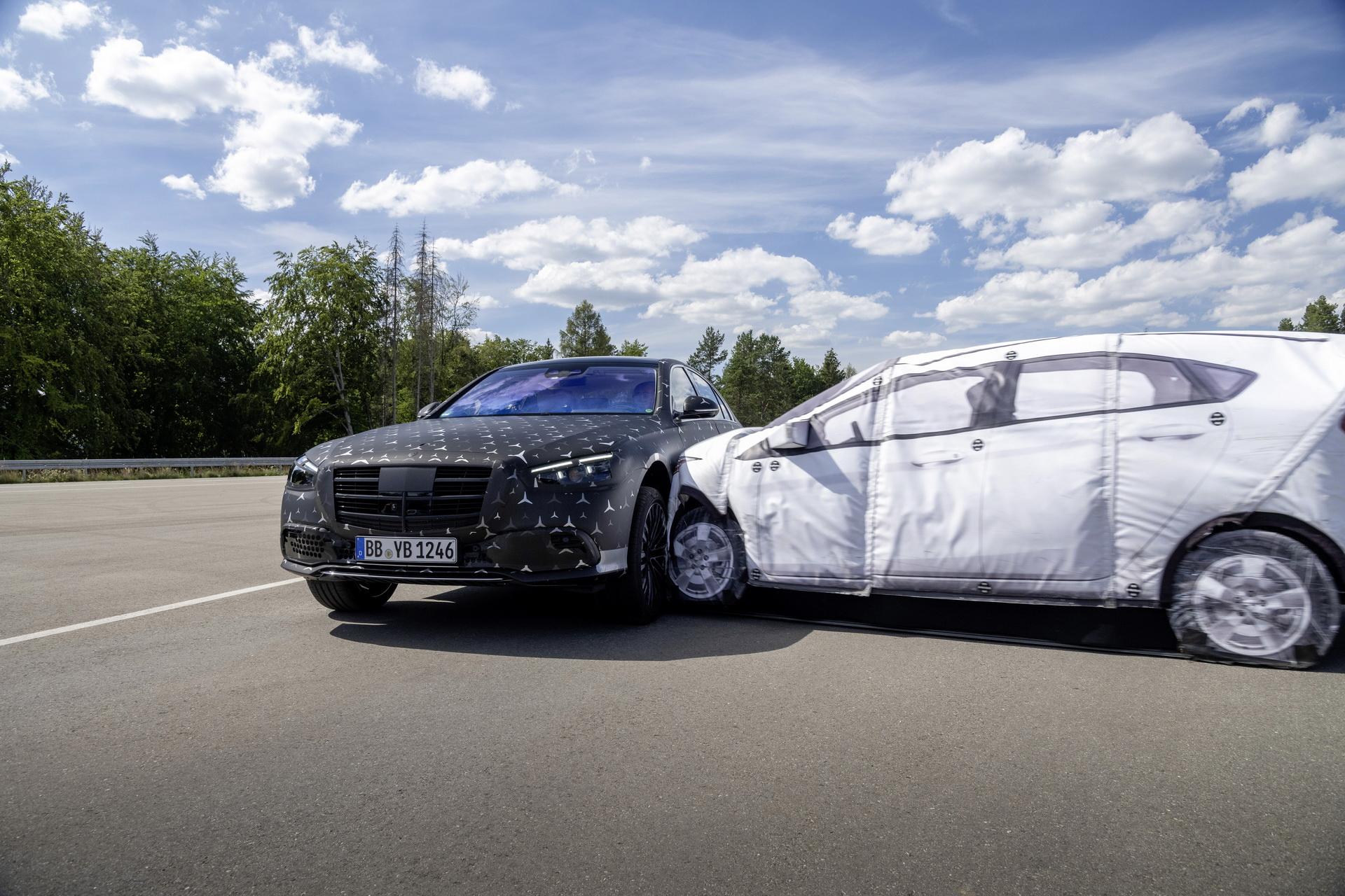 Mercedes-Benz Klasy S 2021 - systemy bezpieczeństwa