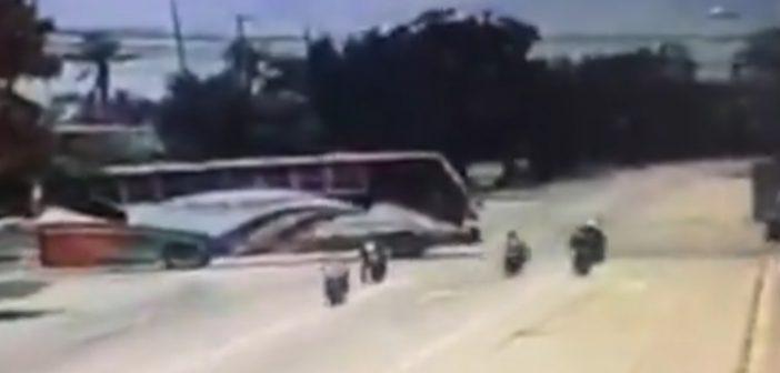 Fatalny wypadek przezlinkę holowniczą – zginęło trzech motocyklistów (+18, wideo)