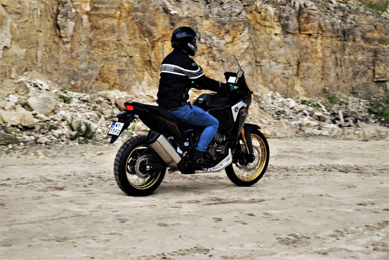 Honda CRF1100L dysponuje mocą 102 KM