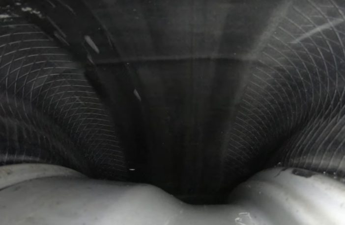 Wnętrze koła podczas jazdy