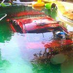 Pijany wjechał autem do basenu
