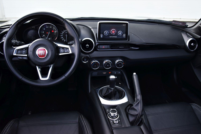 Fiat 124 Spider - wnętrze