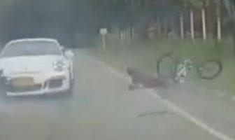 Zderzenie Porsche z rowerzystą