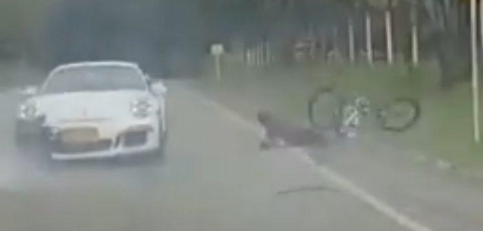 Frustracja kierowcy Porsche skończyła się zderzeniem ipotrąceniem rowerzysty