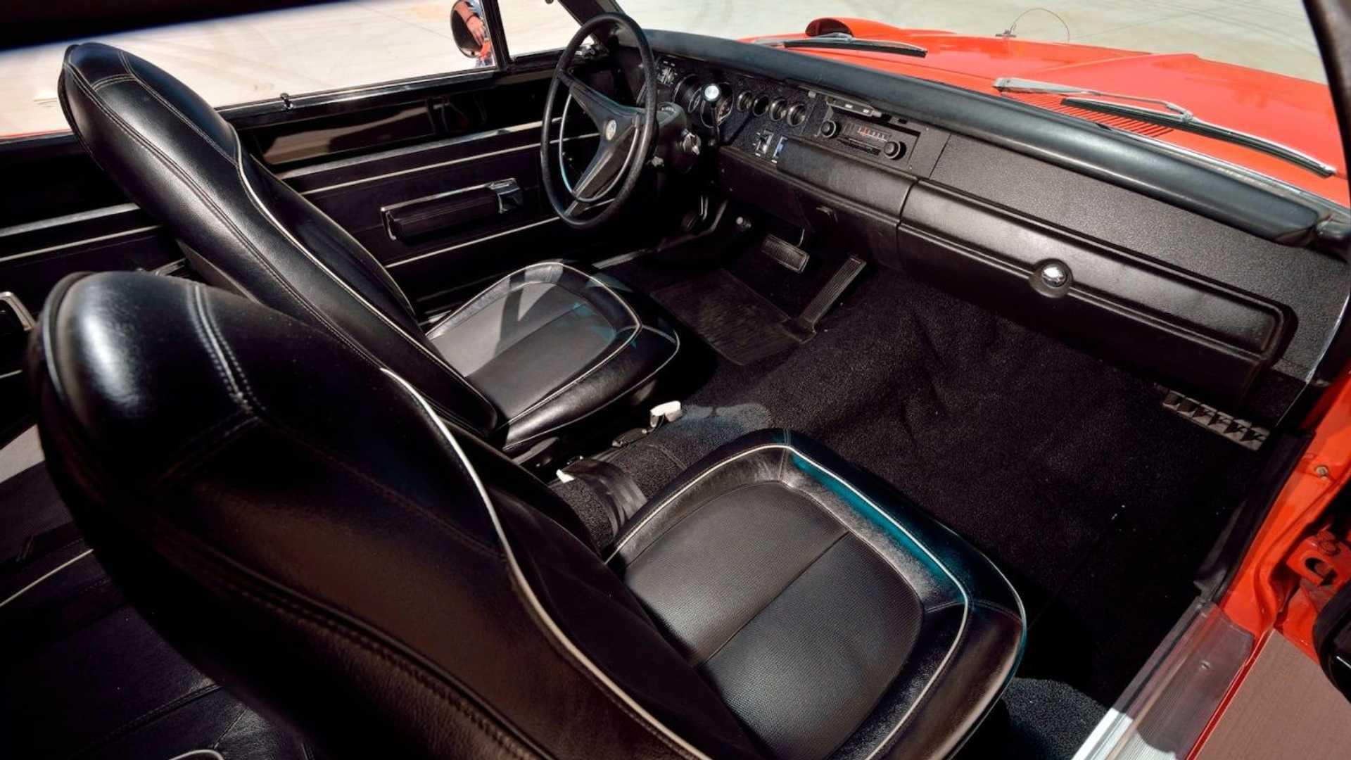 Plymouth Superbird - wnętrze