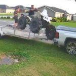 Wypadek quadem podczas wjazdu na przyczepę