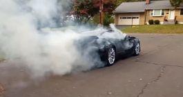 Chevrolet Corvette palenie gumy