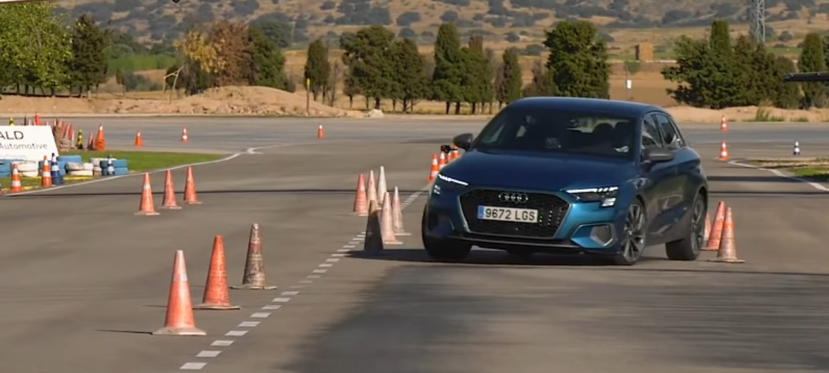 Audi A3 2020 test łosia