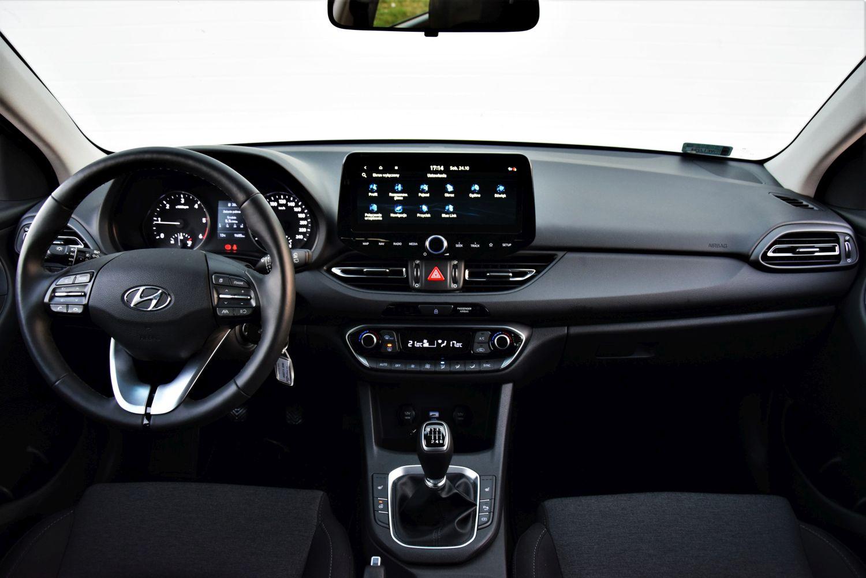 Hyundai i30 Wagon kokpit