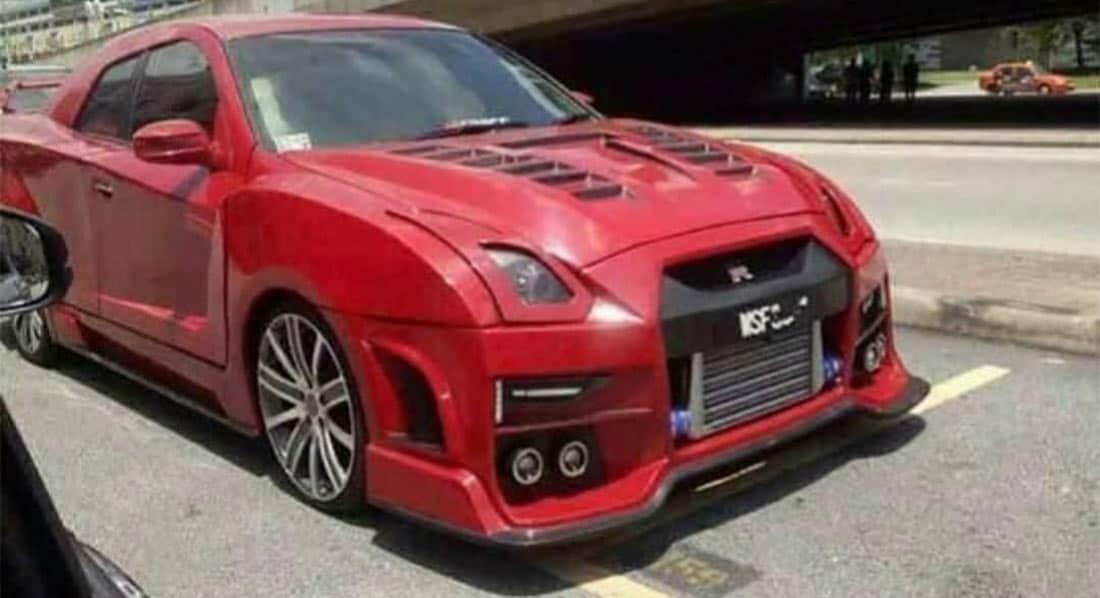 Dramatic Replica Nissan GT-R