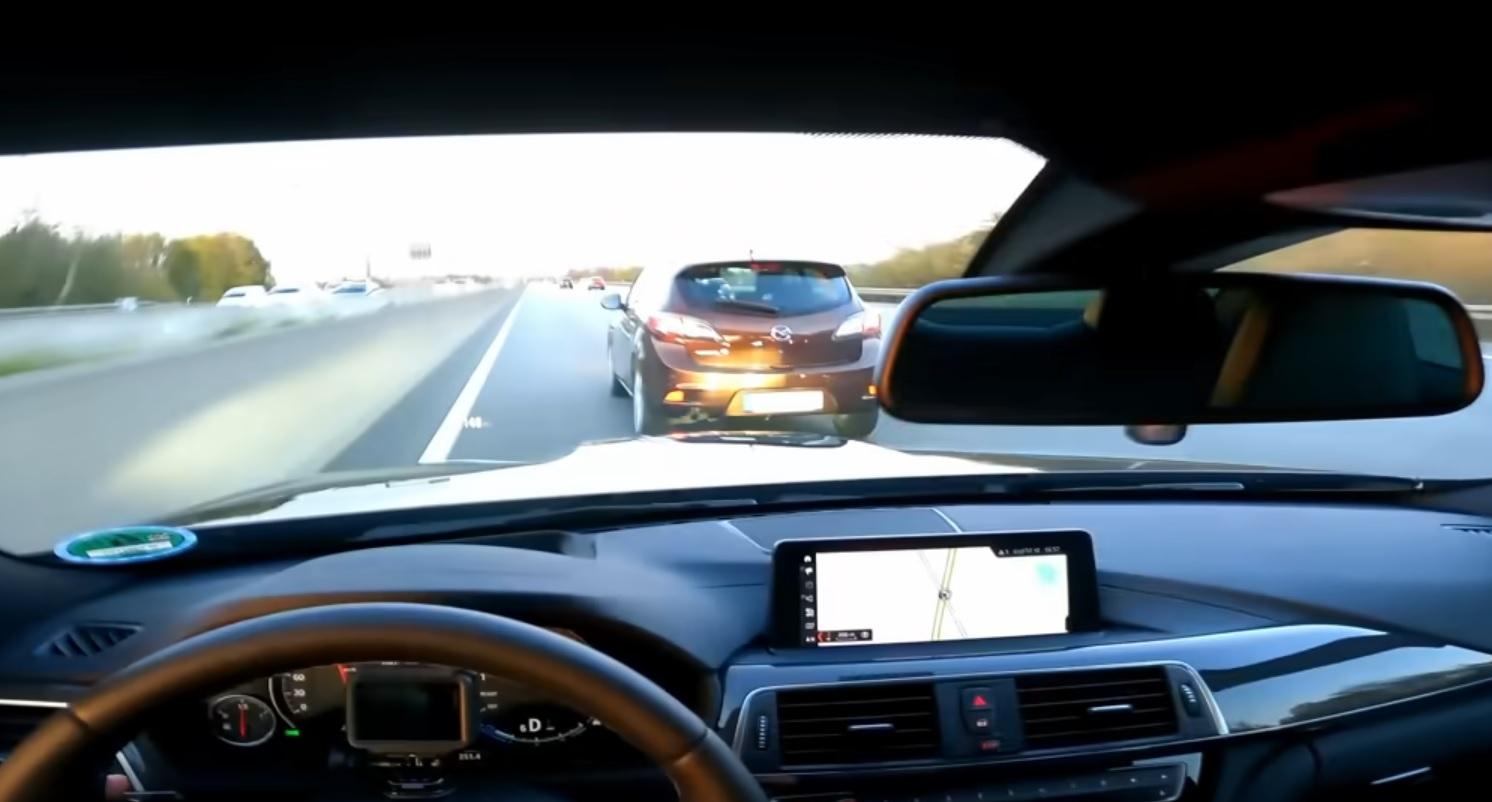 BMW M4 280 kmh on autobahn