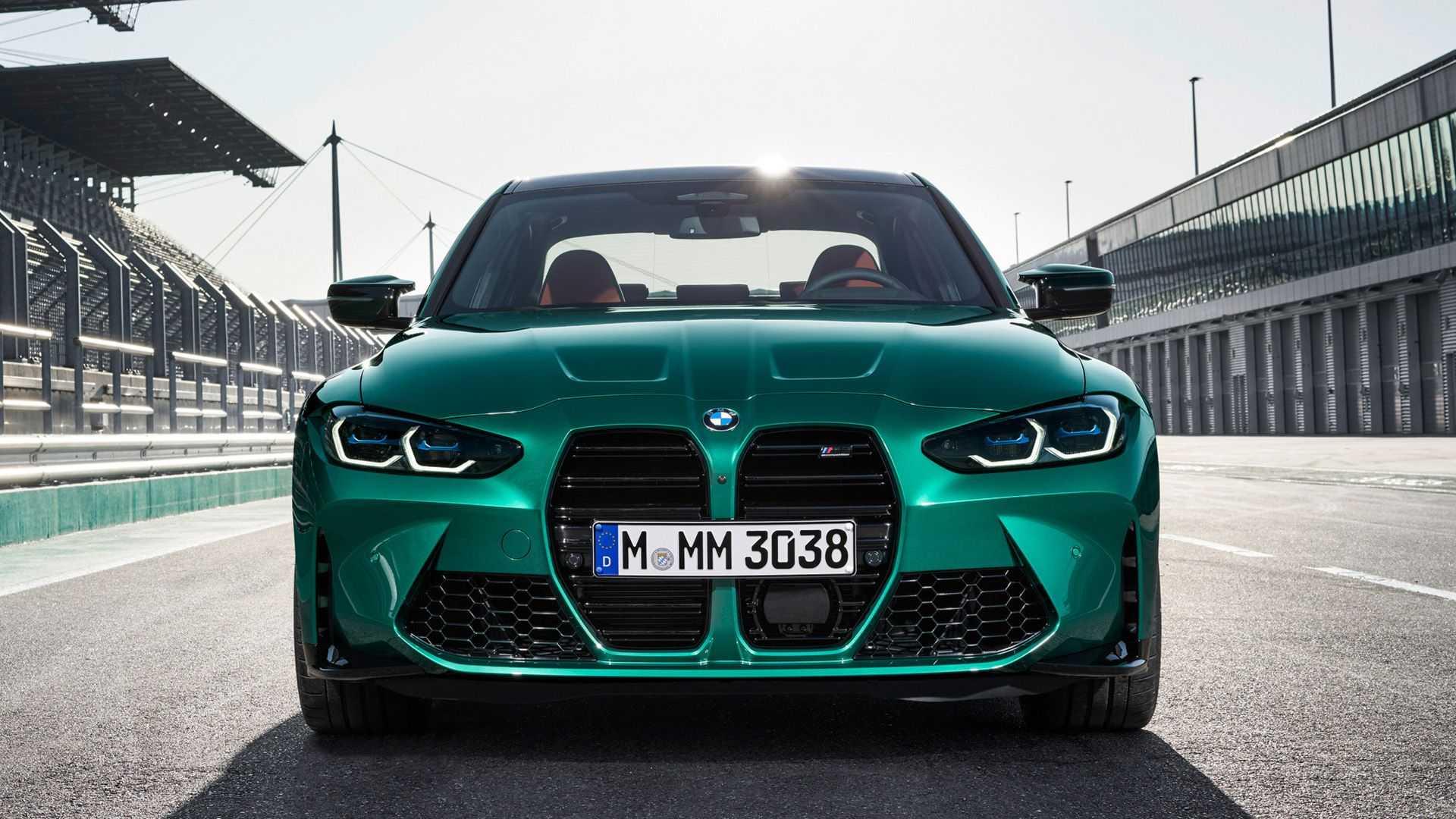 BMW M4 - dlaczego ma tak duży grill?