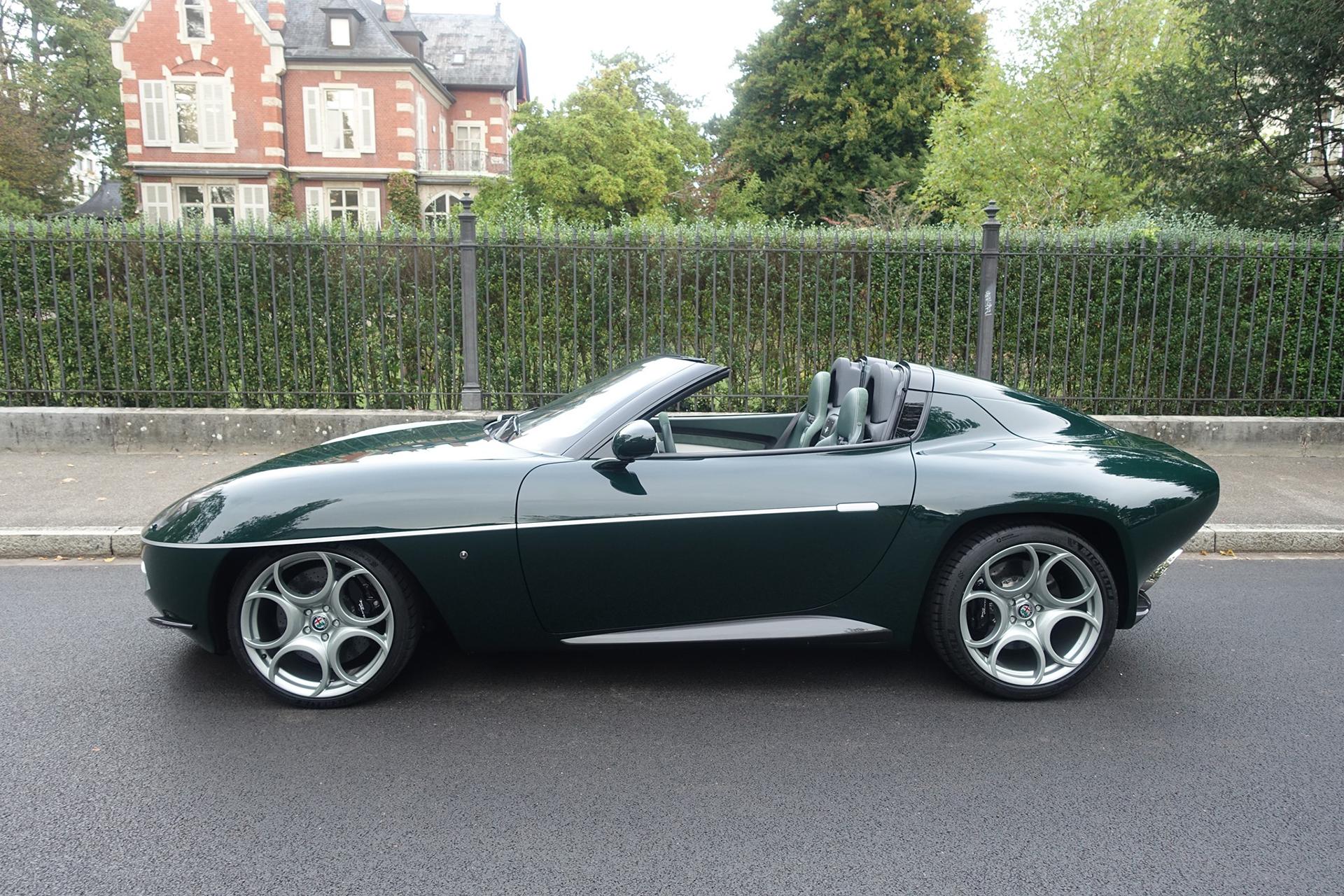 Disco Volante Spyder green colour