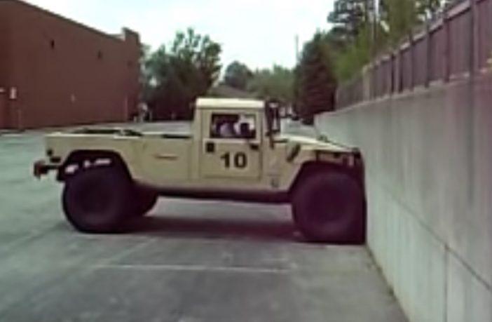 Hummer konta 2-metrowa ściana