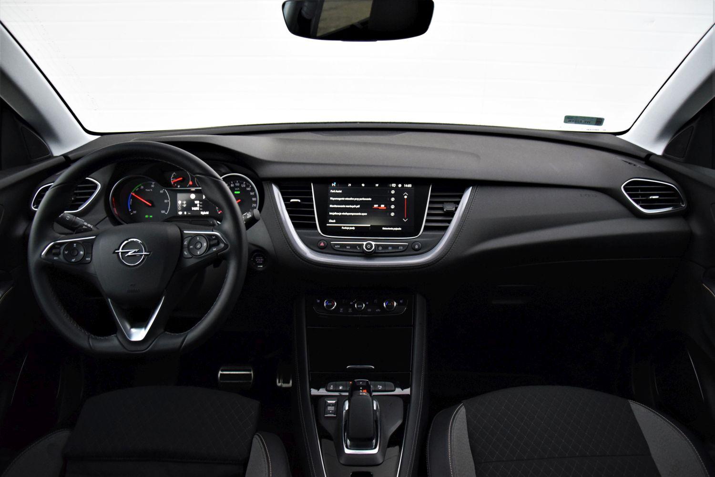 Opel Grandland X - wnętrze