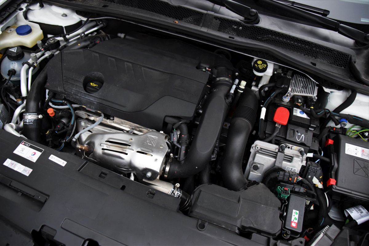 Peugeot 508 SW HYbrid - dane techniczne