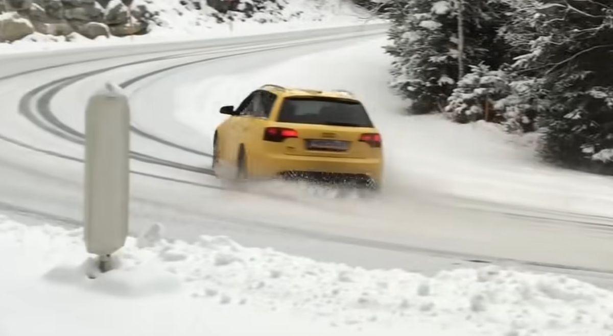 Audi RS4 Avant B7 drifting