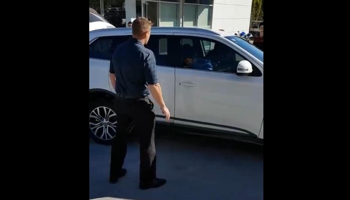 Próba kradzieży auta od dealeraa