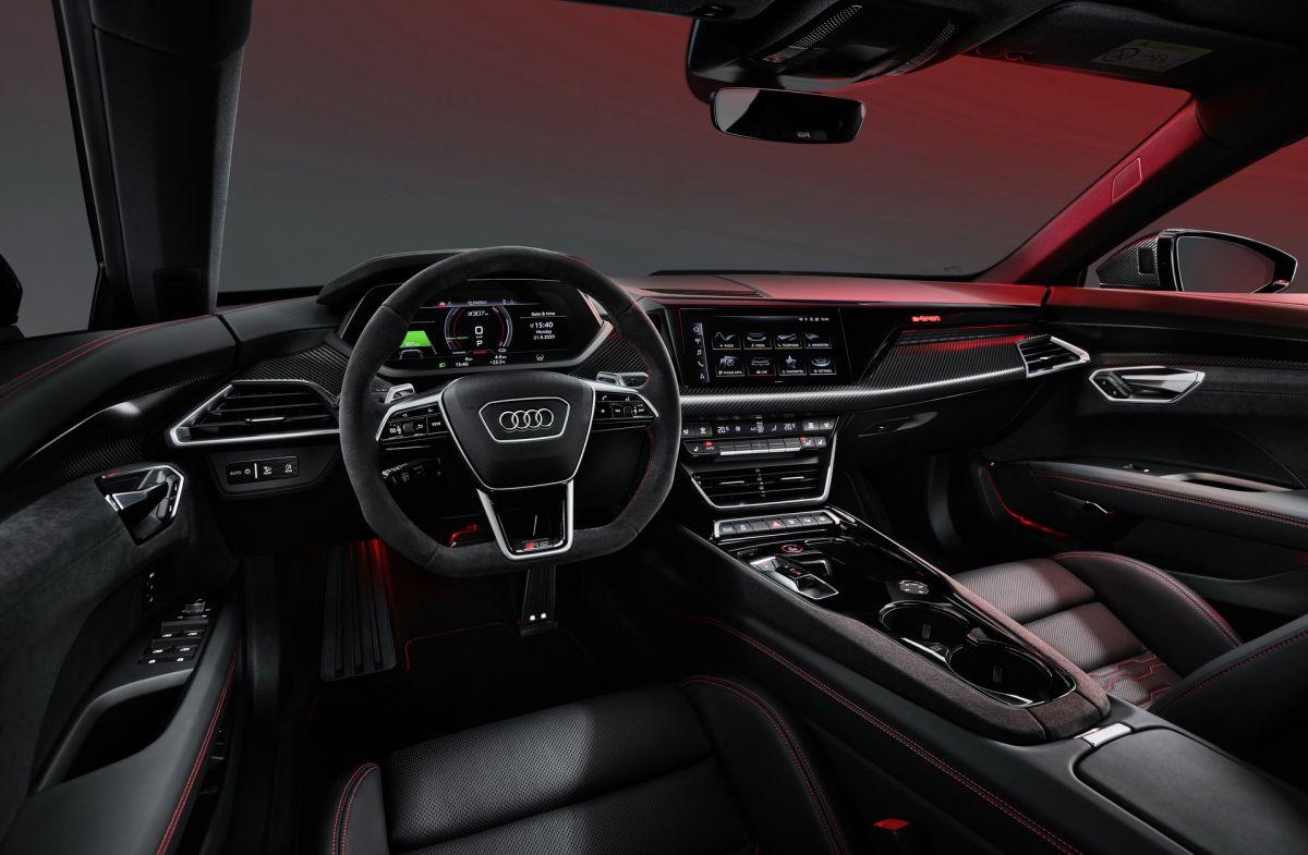 Audi e-tron GT wnętrze