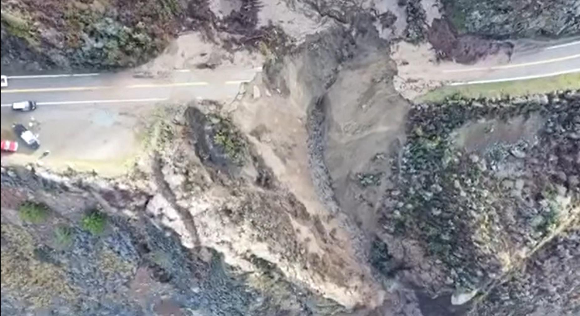 Fragment autostrady wpadł do oceanu
