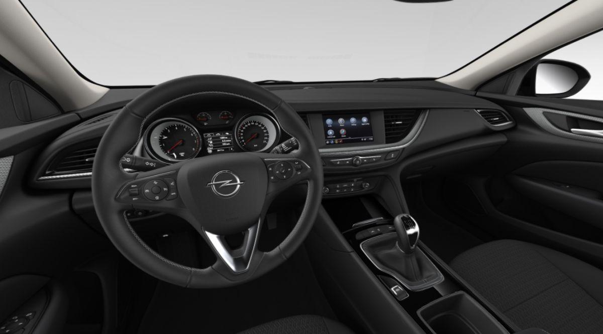 Opel Insignia - wnętrze wariantu bazowego