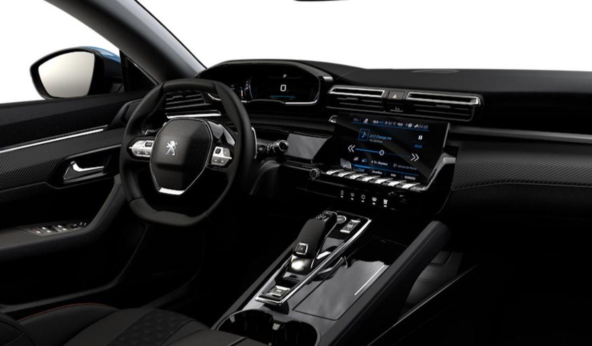 Peugeot 508 interior basic version