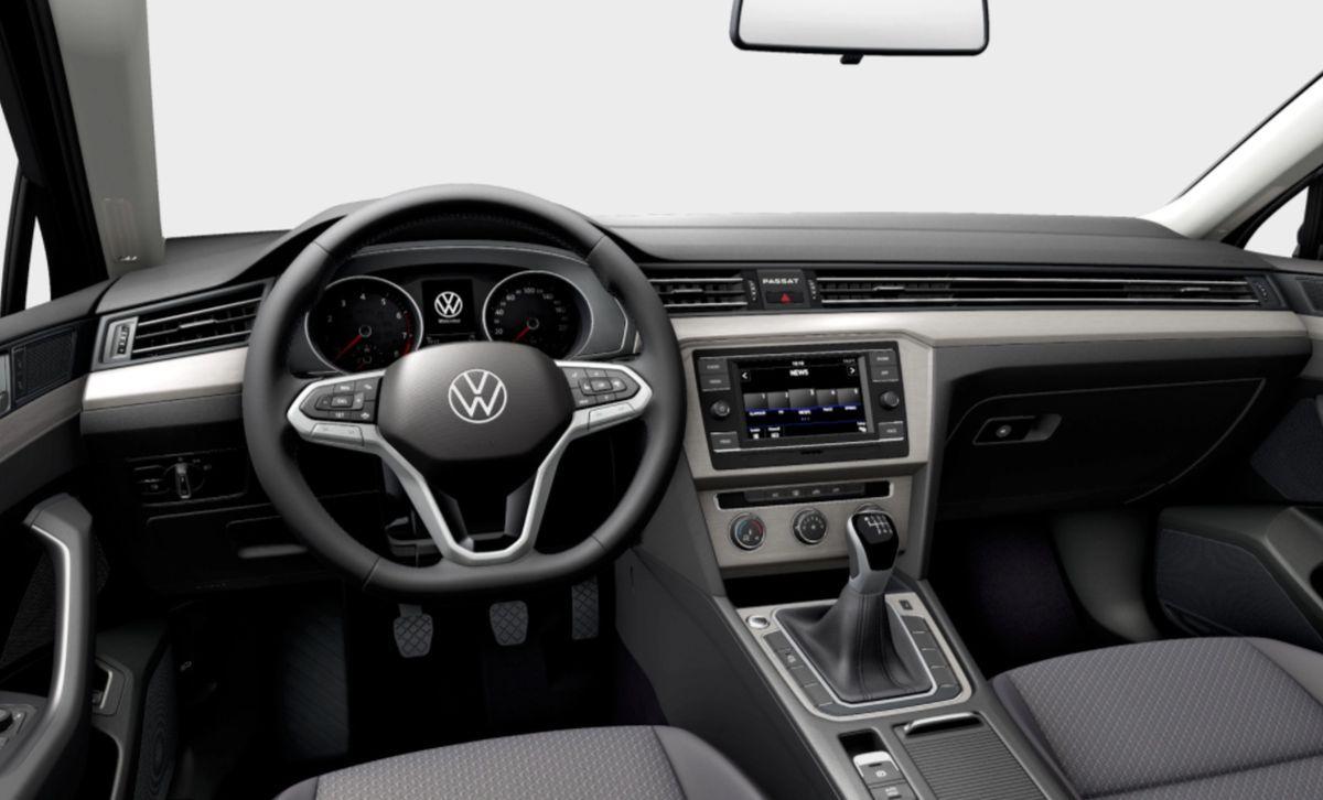 VW Passat - wnętrze wersji bazowej