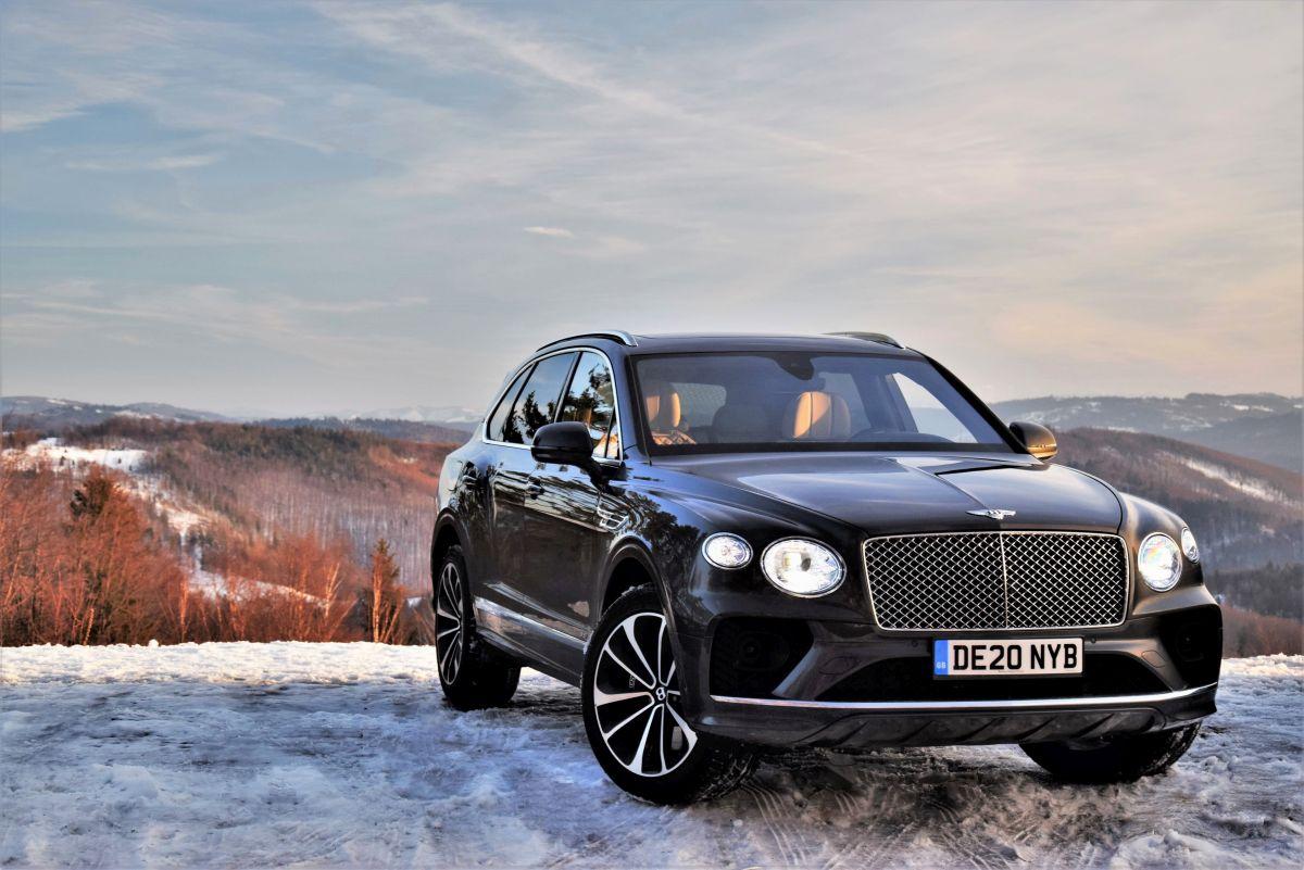 Bentley Bentayga cena